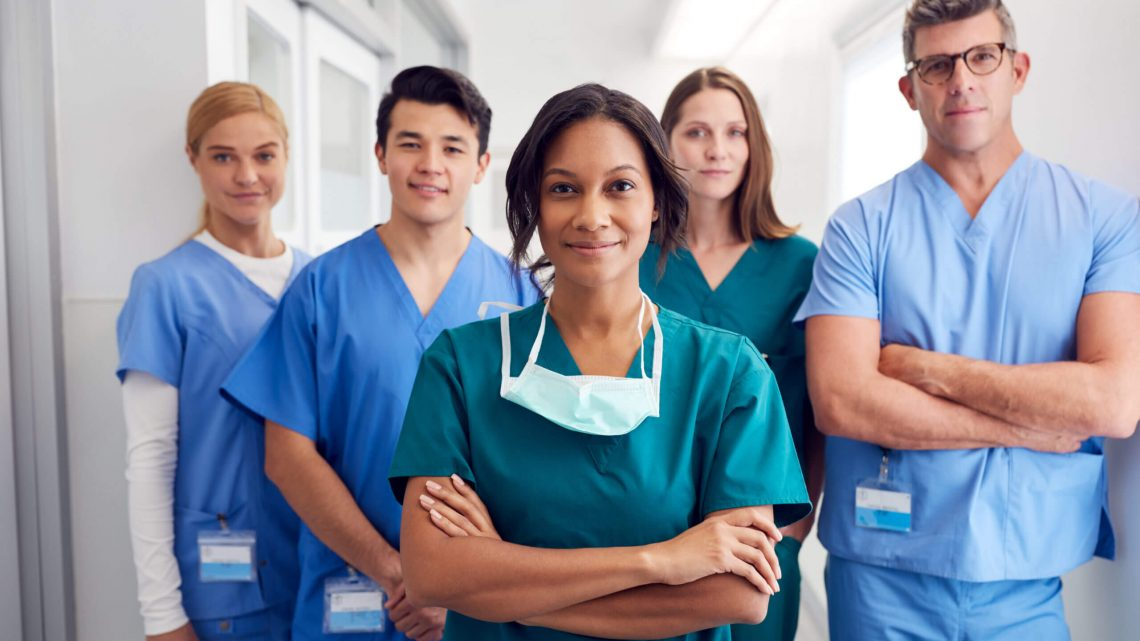 8 Reasons to Consider a Career in Nursing